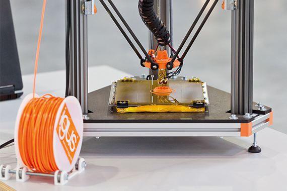 3D printer with filament