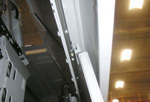 Innovative hybrid linear bearing to guide sliding doors