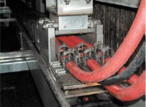 Strain relief through clamps in the energy chain system