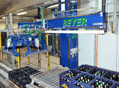 Palletiser from Beyer with igus® energy supply systems
