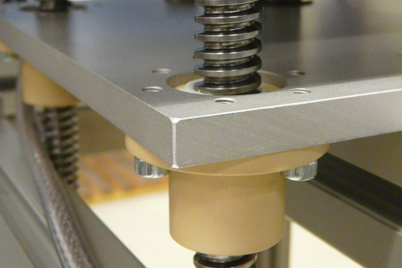 For height and format adjustments, Küppersbusch often uses drylin® lead screws with flange nuts.