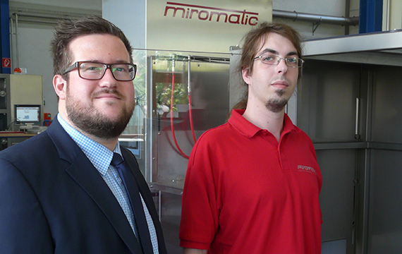 Markus Gast, miromatic: Mechanical Design and Joachim Mayr, igus Sales Consultant