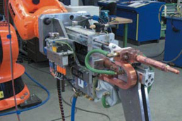 Welding tongs in the automotive production with drylin® linear technology