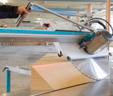 Mitre saw for insulation material with a drylin® W profile rail