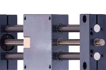 drylin SHT linear system with lead screw drive