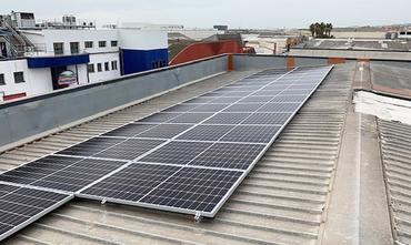 Solar panels on the roof of the igus office in Spain