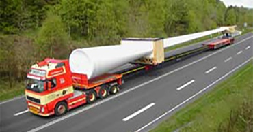 Transport of wind turbine blades